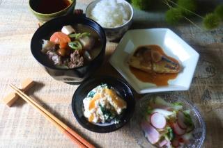 201909さば味噌芋煮柿